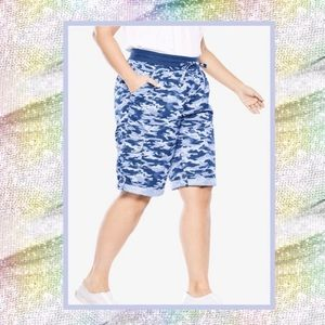 Women's Blue Camo Walking Shorts 14